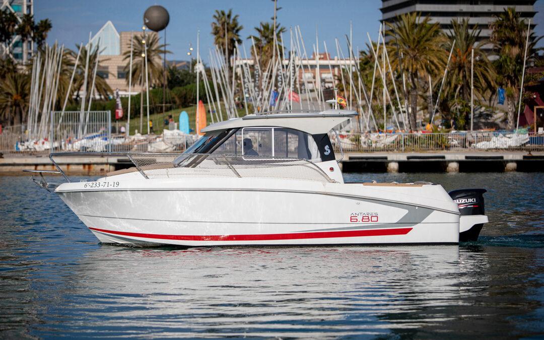 Alquilar barco Barcelona por horas con o sin patrón.