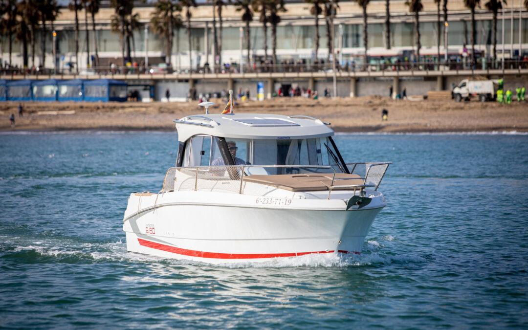 Alquilar un barco en invierno en Barcelona