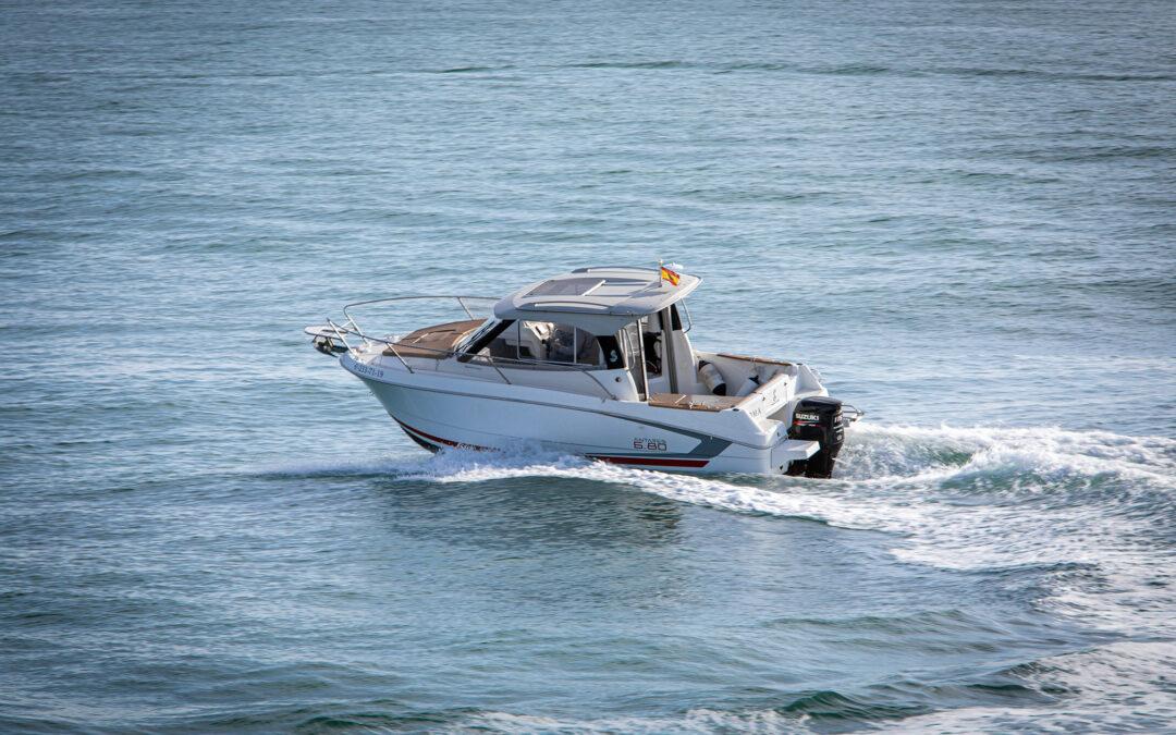 Alquilar barcos sin carnet (título náutico)